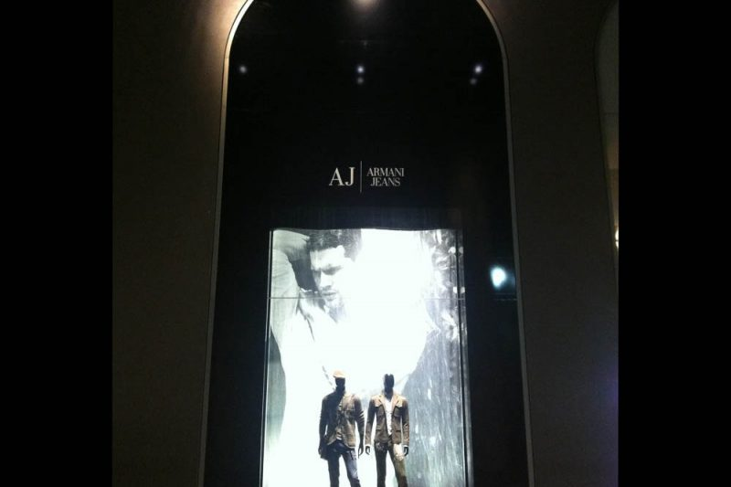 Armani foto 2 - Shop window - by Artes Group International