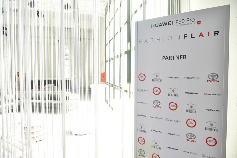 LFM Group per Huawei 2019 foto 10 - Stage design for events - by Artes Group International