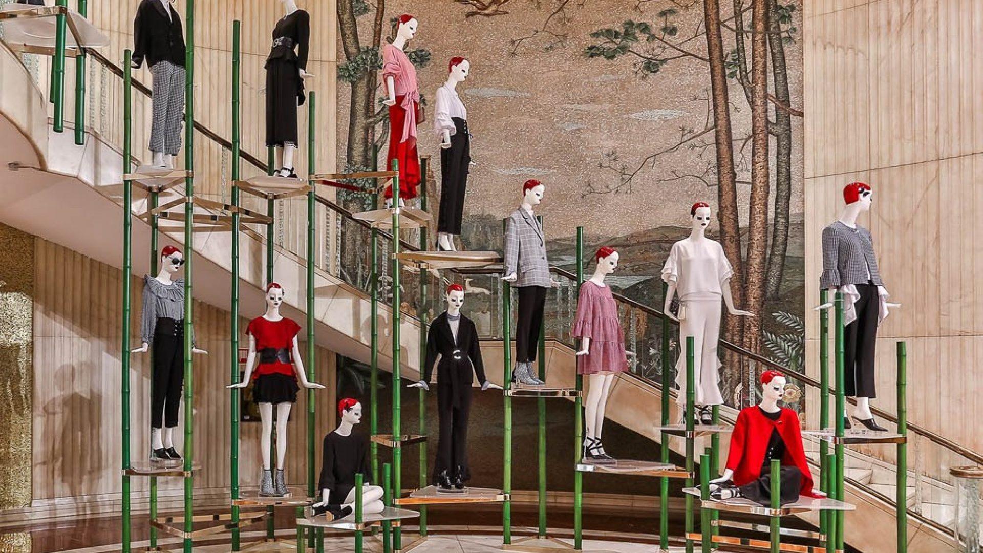 Zara - Realizzazione del setting per la zona centrale dello store   - by Artes Group International